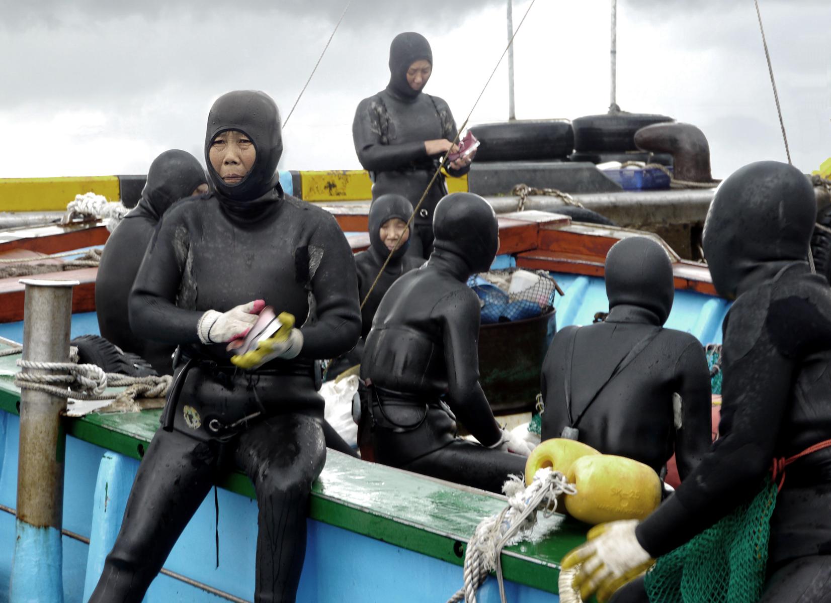 Mikhail-Kairkis-SeaWomen-production-photograph-web2