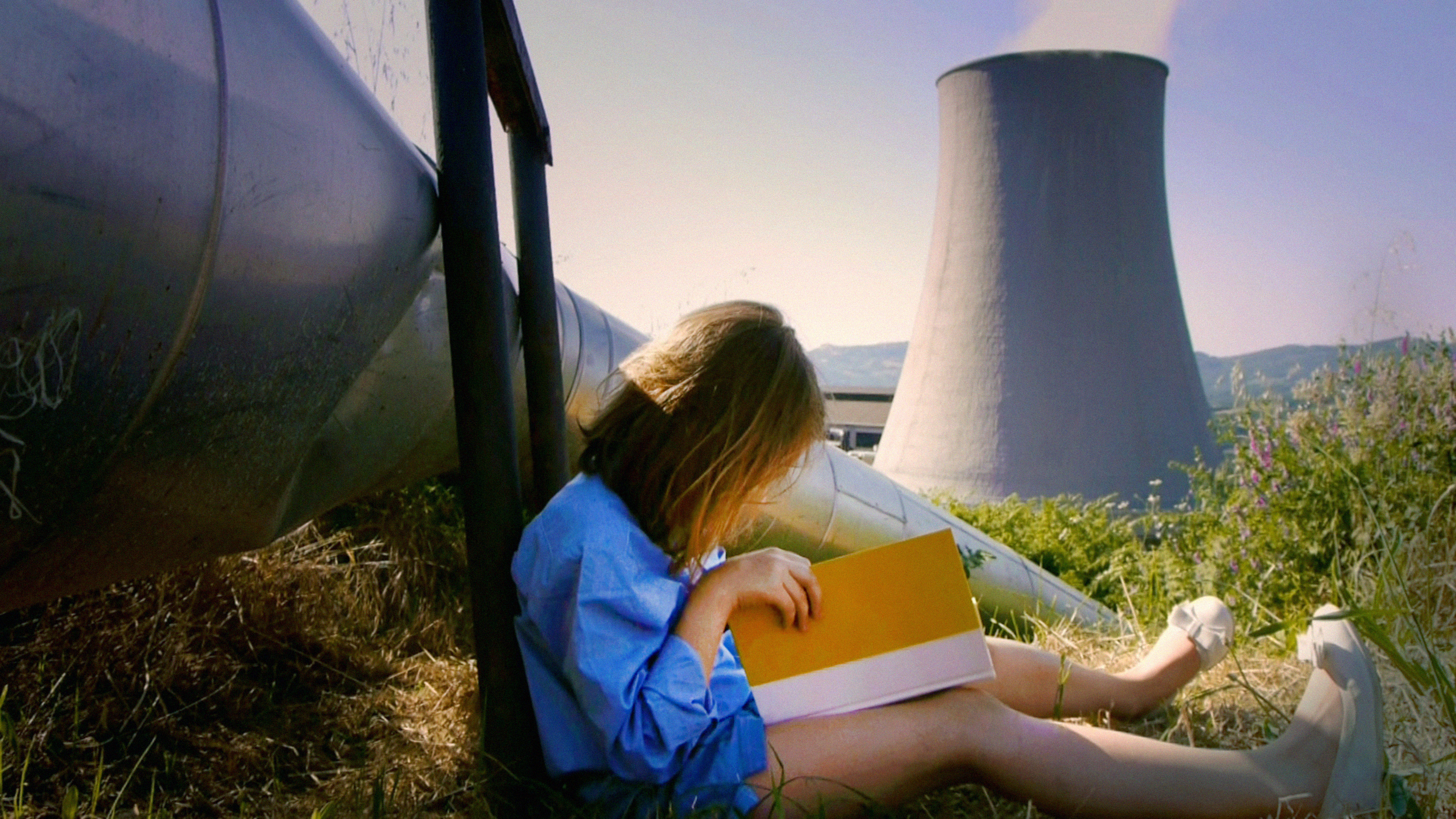 Mikhail Karikis - Children of Unquiet (2013-2014) video still-4